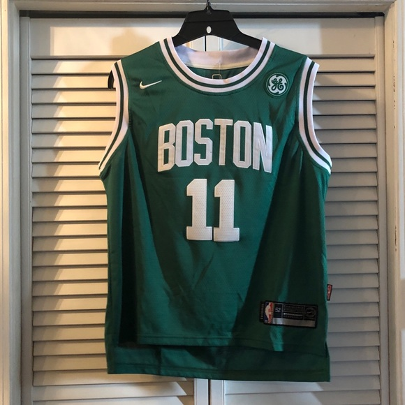 new arrival ac311 eb107 NWT Kyrie Irving Boston Celtics Youth Jersey NWT